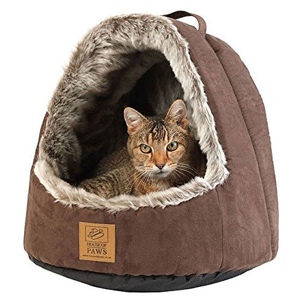 Hooded Arctic Cat Bed