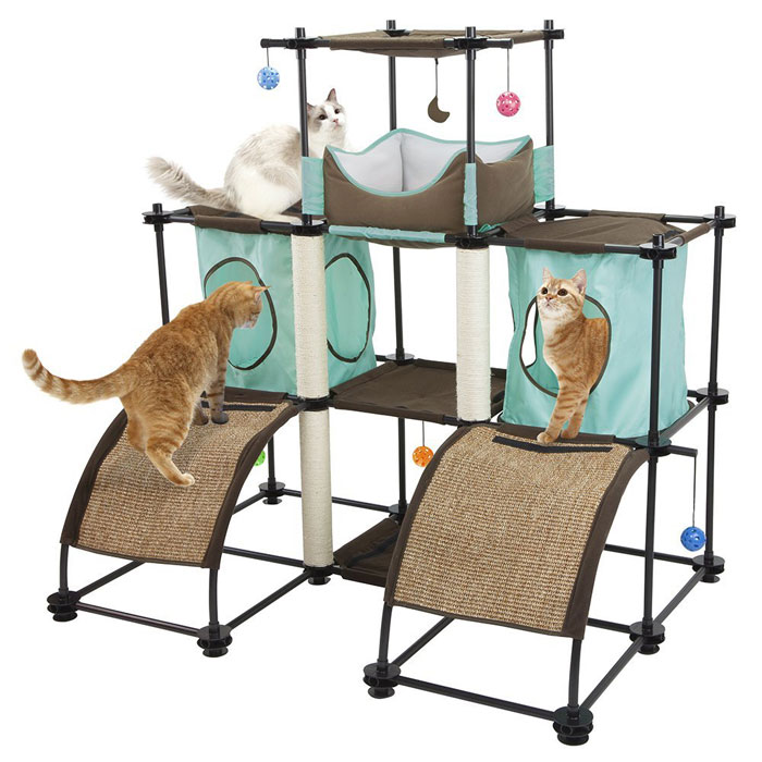 The Kitty City Kitty City Steel Claw Castle set