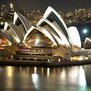 Sydney_Opera_House_Night.jpg