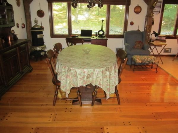 _Dining area of kitchen 110 Mohican resized.jpg