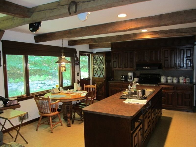_Kitchen 110 Mohican.jpg